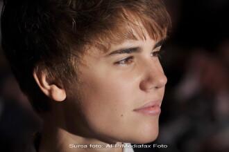 Idolul tinerelor Justin Bieber si romancele de la Cheeky Girls, in acelasi top. Cum a fost posibil