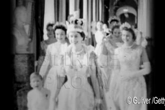 60 de ani in care coroana i-a definit viata. Transformarea in imagini a Reginei Elisabeta a II-a