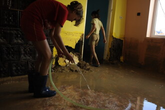 Codul galben a lasat dezastru in urma. Sute de case au ajuns sub apa dupa potopul din aceste zile