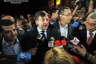 Cum au sarbatorit Ponta si Antonescu victoria la locale: bere la terasa si Euro 2012
