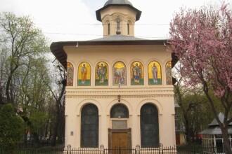 Ultimul drum pentru preotul din Focsani, ucis in biserica. 50 de prelati au oficiat slujba