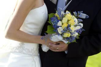 Momentul care a facut ca nunta lor sa fie unica. Ce apare in fotografie langa acesti doi miri. FOTO