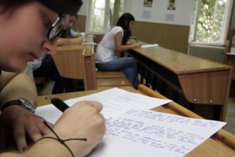 REZULTATE EVALUARE NATIONALA 2014. Mai putin de 50% dintre elevii de clasa a 8-a au luat medii de peste 5 la simulare