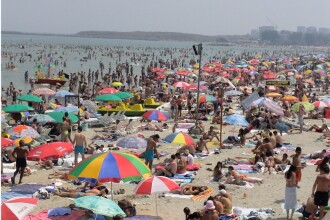Cel mai profitabil weekend de pe litoral: cei 100.000 de turisti au cheltuit 10 mil. de euro