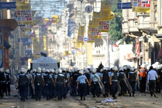 UE si Statele Unite exprima preocupare privind violentele din Turcia