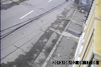 Primul termen de judecata al barbatului care a lovit o femeie pe trotuar, la Lugoj, a fost amanat
