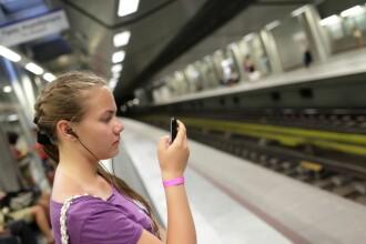 Cum poti plati cu un simplu SMS abonamentul pe o zi la RATB, calatoria cu metroul sau rovinieta