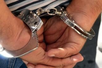 Teapa locurilor de munca in strainatate: un tanar care a inselat sute de persoane, a fost incatusat