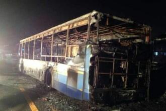 42 de morti dupa ce un autobuz a luat foc in China. Nu se cunosc cauzele izbucnirii incendiului
