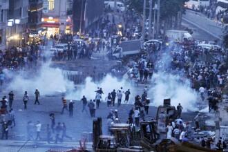 PROTESTE IN TURCIA. Imaginile violente ale noptii in care manifestantii au fost evacuati din parc