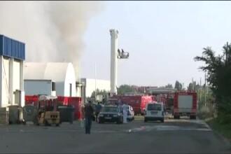 Incendiu pe Soseaua de Centura a Capitalei la un depozit. Doua masini de pompieri nu au facut fata