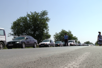 Se inchide circulatia rutiera pe DN7, in zona localitatii Vladimirescu, judetul Arad.Rute ocolitoare