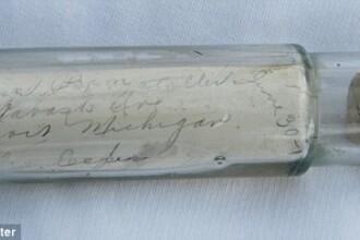 Un scafandru a gasit un mesaj vechi de 100 de ani intr-o sticla. Ce scria pe bilet