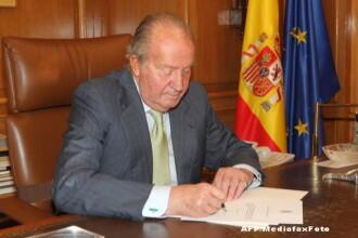 Juan Carlos al Spaniei. Portretul unui rege incoronat in aplauzele poporului, dar care lasa tronul in scandaluri