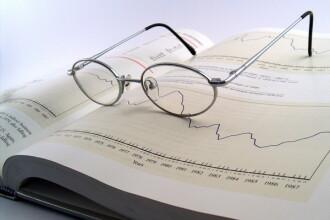 Deficitul de pensii din sistemul de stat poate cauza probleme in 2015. Doar jumatate din pensia medie este acoperita