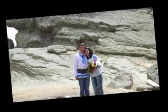 Au spus DA langa Sfinxul din Bucegi. Cum au decis doi tineri din Romania sa faca nunta la 2200 de metri altitudine