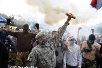 Criza in Ucraina. Schimburi de focuri in Piata Independentei din Kiev, ocupata de protestatari. 4 persoane au fost ranite