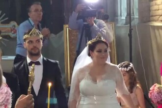 Singurul obicei pe care Oana Roman nu l-a respectat la propria nunta. 300 de invitati asteptau acest moment
