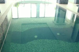 Noua persoane din Suceava au ajuns la spital cu reactii alergice la clor, dupa ce au facut baie intr-o piscina