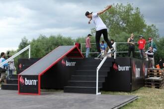 Cei mai tari skateri au facut spectacol la Cluj. Premiere mondiale pe placa de skate, dar si pe 2 roti
