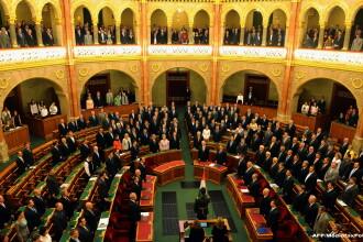 Parlamentul ungar a aprobat un imprumut rusesc de 10 miliarde de euro in domeniul nuclear. Comisia Europeana ancheteaza