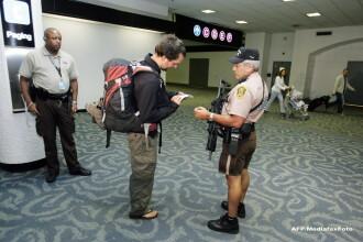 Un roman a fost arestat pe aeroportul din Miami din cauza unui dispozitiv din bagaje: