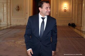Primarul Bacaului, Romeo Stavarache, retinut pentru ca ar fi primit mita, va fi cercetat sub control judiciar