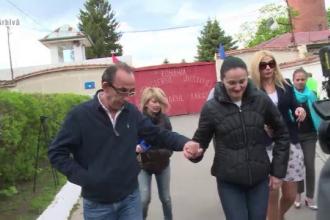 Cum ar fi cheltuit sotul Alinei Bica 100.000 de euro pentru sali de sport in sate fara dispensar: