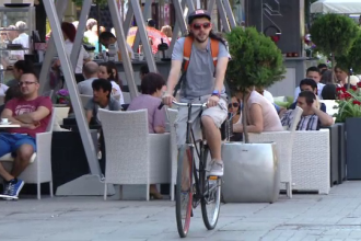 Orasul din Romania in care bicicleta a devenit, oficial, mijloc de transport in comun. Inchirierea lor este gratuita
