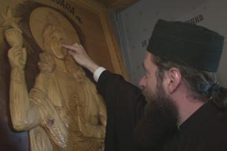 Un barbat sustine ca o icoana a Sfintei Varvara a lacrimat in restaurantul sau. Ce s-a intamplat dupa ce a mers la episcopie