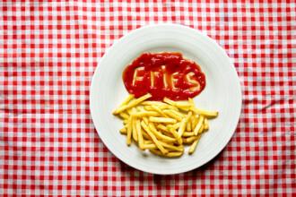 Studiu: O substanta din cartofii prajiti creste riscul de dezvoltare a cancerului