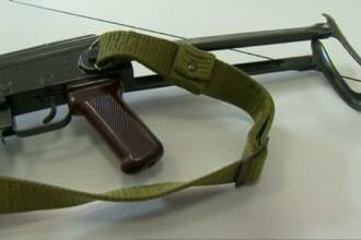 Un fost angajat al serviciilor secrete s-a impuscat in cap cu un Kalashnikov modificat si niciun vecin n-a auzit zgomotul