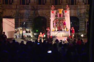 Spectacol inedit in centrul Capitalei. Cum au reactionat oamenii cand au vazut o balerina coborand dintr-un balon