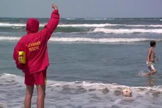 S-au aventurat in mare, desi salvamarii au interzis scaldatul. Doi barbati au murit inecati in statiunile Jupiter si Mangalia