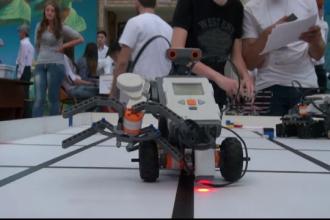 Ce masinarii au inventat elevii in cadrul Olimpiadei de Robotica. Castigatorii vor reprezenta Romania in Qatar