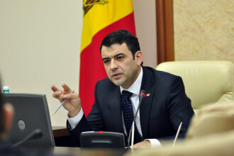 Chiril Gaburici, premierul Republicii Moldova, si-a anuntat demisia cu doua zile inainte de alegerile locale