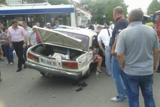 Accident mortal de masina, filmat in centrul Chisinaului. O Lada a fost pur si simplu zdrobita la impactul cu un BMW. VIDEO