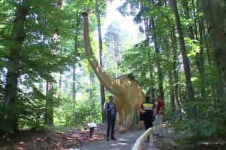 Dino Parc, primul parc de dinozauri din Romania, o investitie de 5 mil. de euro. Cat costa un bilet si care sunt atractiile
