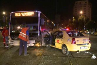Accident grav in Capitala. Un sofer a intrat cu viteza intr-o intersectie si a lovit doua taxiuri si un autobuz