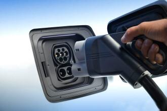 Prima poza cu BMW i5 - doua motoare, 100% electrica. Pentru ca Tesla are nevoie de concurenta