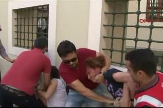 O parada gay din Turcia a dus la o adevarata incaierare intre participanti si fortele de ordine. Cinci persoane, retinute