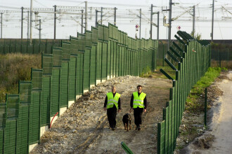 Marea Britanie urmeaza exemplul Ungariei si construieste