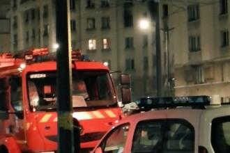 Un mort si opt raniti la Paris, in urma unui incendiu la un bloc apartinand primariei. O femeie a sarit pe fereastra