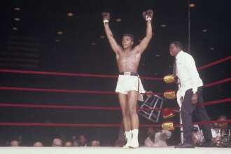 Muhammad Ali, supranumit THE GREATEST, a murit la 74 de ani