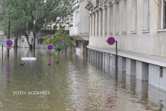 Inundatii catastrofale in Franta. Nivelul apei, masurat cu ajutorul unei statui vechi de un secol