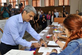 Robert Turcescu si Dorel Onaca sunt pe primul loc la listele de canditati ale PMP in Constanta, Senat si Camera Deputatilor