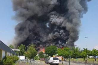 Politia germana a retinut doi migranti dupa un incendiu urias intr-un centru pentru refugiati din Dusseldorf. VIDEO