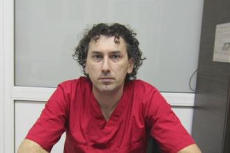 Medic homeopat din Constanta, arestat pentru ca ar fi violat o minora. Discutia pe care a filmat-o fata in cabinet