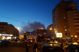 Efectele incendiului urias care a distrus mansarda unui bloc din Bacau. Din ce cauza s-ar fi extins flacarile