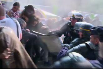 Franta, paralizata de greve si proteste in prag de UEFA Euro 2016. Ce trebuie sa stiti in cazul in care calatoriti la Paris
